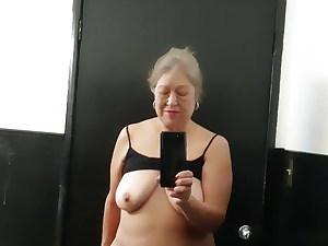 Mature plumper Latina woman toilet time – furry slit got very wet